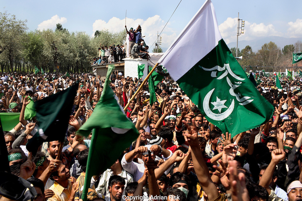 On the 22nd August 2008 an estimated 350,000 Kashmiri's marched to the Eidgha communal ground in Srinagar demanding Independence from India. Local Kashmiri's said they had never witnessed anything like it in their lifetime. .Jubilant pro independence demonstrators at the Eidgha communal ground....