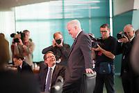 DEU, Deutschland, Germany, Berlin, 09.10.2019: Bundesverkehrsminister Andreas Scheuer (CSU) und Bundesinnenminister Horst Seehofer (CSU) vor Beginn der Kabinettsitzung im Bundeskanzleramt.