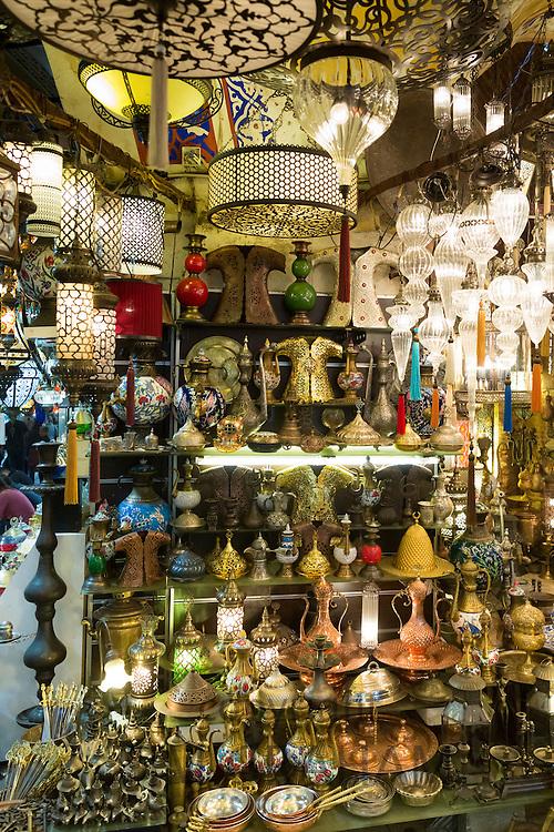 Traditional Turkish ornate lanterns lamps in The Grand Bazaar, Kapalicarsi, great market, Beyazi, Istanbul, Turkey