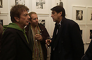 Nicky Haslam, Robert Astley-Sparke and Bryan Ferry. Warhol's World. Photography and Television. Hauser and Wirth. Piccadilly, London. 26  January 2006.  ONE TIME USE ONLY - DO NOT ARCHIVE  © Copyright Photograph by Dafydd Jones 66 Stockwell Park Rd. London SW9 0DA Tel 020 7733 0108 www.dafjones.com