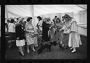 Mrs. Geral;d Postlewaithe's dachshunds meet Alphonse, Margaret Duchess of Argyll, People and Places, Cirencester Park. July 1982