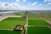 Nederland, Flevoland, Noordoostpolder, 07-05-2015;  Kraggenburg, Zwartemeerweg, zuidoostelijke deel NOP. Boerderij volgens gestandariseerd ontwerp uit de tijd van de bewoning van de polder.<br /> Farm and barn, original prebaricated design in on f the postwar new polders.<br /> luchtfoto (toeslag op standard tarieven);<br /> aerial photo (additional fee required);<br /> copyright foto/photo Siebe Swart