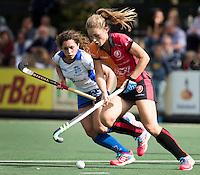 UTRECHT - HOCKEY -  Laura Nunnink (Oranje-Rood) met links Georgina Oliva Isem (Kampong)  tijdens  de hoofdklasse hockeywedstrijd dames Kampong-Oranje-Rood (0-5) .COPYRIGHT KOEN SUYK