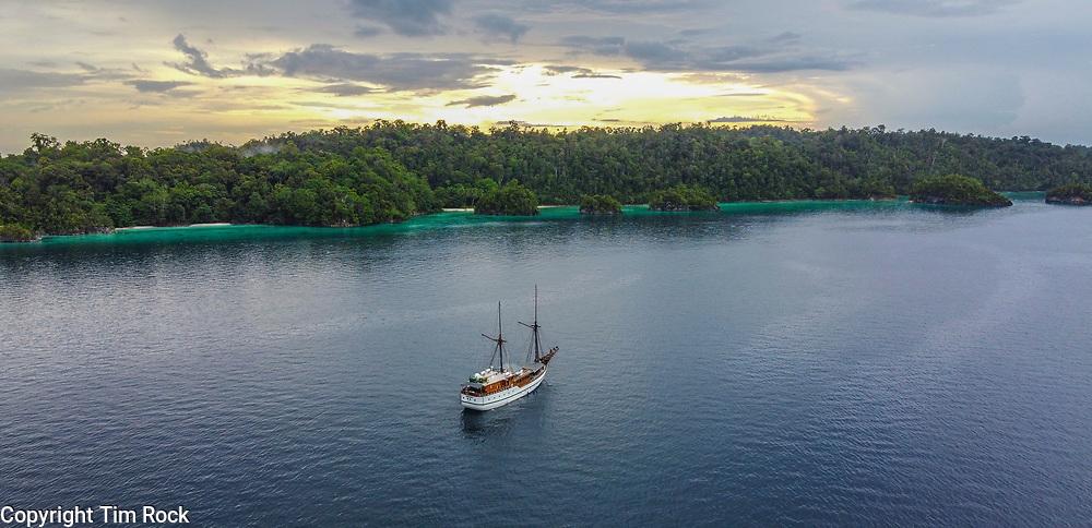 DCIM\100MEDIA\DJI_0677.JPG Triton Bay Dec 2019 (West Papua Indonesia)
