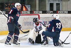 27.04.2011, TWK Arena, Innsbruck, AUT, IIHF WM 2011, Testspiel, Österreich vs USA, im Bild 3:2, Tim Stapleton (USA, #23, Atlanta Thrashers, NHL), Michael Schiechl (AUT, #13, EC Red Bull Salzburg),  during friendly ice hockey match between Austria and USA, in preparation of IIHF world Championship 2011 at TWK Arena in Innsbruck Austria on 27/4/2011. EXPA Pictures © 2011, PhotoCredit: EXPA/ J. Groder