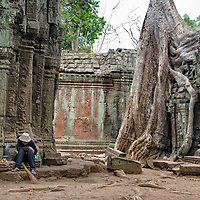"""We found one famous man in Ta Prohm, the man who once was on the cover of the """"Lonely Planet"""" guidebook. Unfortunatelly he was very tired."""