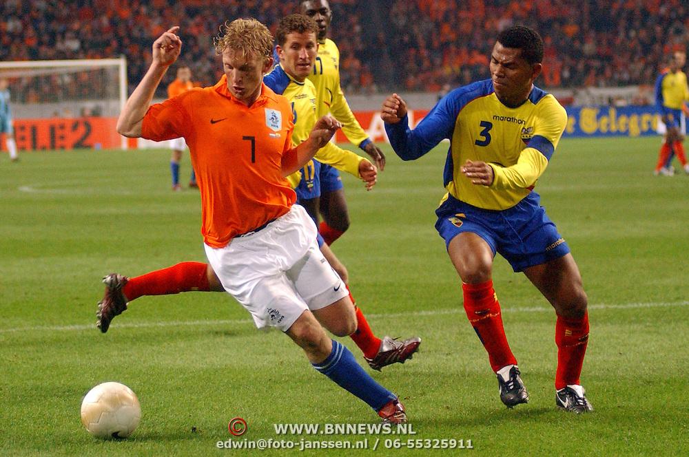 NLD/Amsterdam/20060301 - Voetbal, oefenwedstrijd Nederland - Ecuador, Dirk Kuyt en Ivan Hurtado
