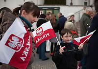 11.04.2012 Bialystok N/z w Marszu Pamieci w druga rocznce katastrofy smolenskiej wzielo udzial ok 1000 osob fot Michal Kosc / AGENCJA WSCHOD