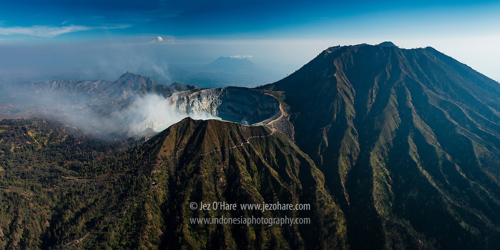 Mount Ijen crater, East Java, Indonesia.<br />Kawah Gunung Ijen, Jawa Timur, Indonesia.