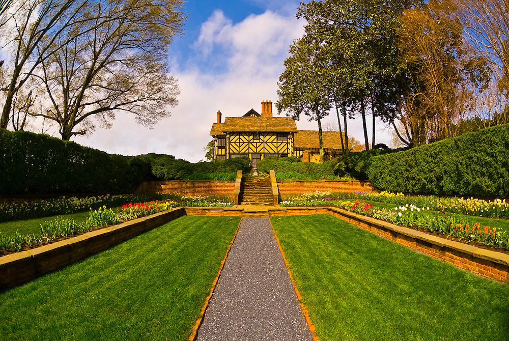 Flowers, Agecroft Hall tudor estate and gardens, Richmond, Virginia USA