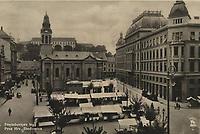 Zagreb : Preradoviçev trg. Prva Hrv. Stedionica. <br /> <br /> ImpresumZagreb : Foto i Naklada S M Zagreb, 1931.<br /> Materijalni opis1 razglednica : tisak ; 9 x 14,1 cm.<br /> Vrstavizualna građa • razglednice<br /> ZbirkaZbirka razglednica • Grafička zbirka NSK<br /> ProjektPozdrav iz Hrvatske • Pozdrav iz Zagreba<br /> Formatimage/jpeg<br /> PredmetZagreb –– Trg Petra Preradovića<br /> SignaturaRZG-PRER-1<br /> Obuhvat(vremenski)20. stoljeće<br /> NapomenaRazglednica je putovala. • S M Zagreb vjerojatno S. Marković Zagreb.<br /> PravaJavno dobro<br /> Identifikatori000953939<br /> NBN.HRNBN: urn:nbn:hr:238:743376 <br /> <br /> Izvor: Digitalne zbirke Nacionalne i sveučilišne knjižnice u Zagrebu