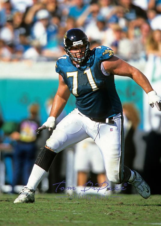 Jacksonville Jaguars Tony Boselli  (71) plays in a game against the NE Patriots  at Jacksonville Municipal Stadium in Jacksonville, FL.December 7, 1997.<br /> (Tom DiPace)