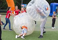 AMSTELVEEN - Golf. NGF , EK Hockey 2017 RAAK! brengt kinderen in contact met de golfsport. Het funpark laat de kinderen op grootschalige evenementen met een glimlach ervaren hoe leuk golfen kan zijn. COPYRIGHT KOEN SUYK