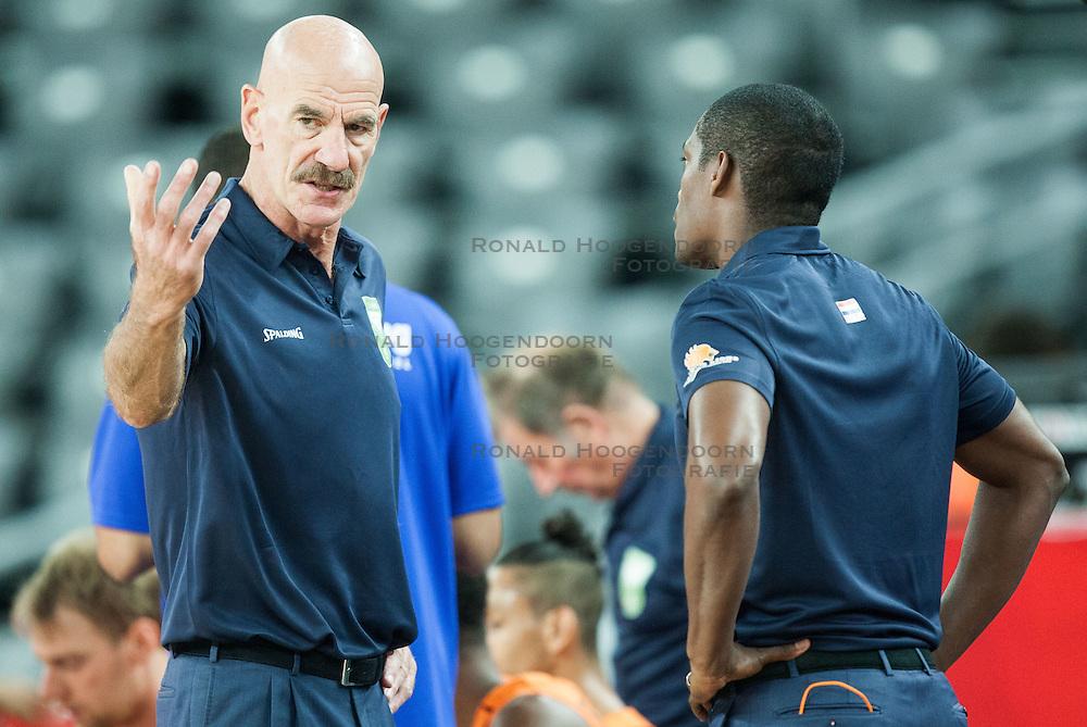 08-09-2015 CRO: FIBA Europe Eurobasket 2015 Slovenie - Nederland, Zagreb<br /> De Nederlandse basketballers hebben de kans om doorgang naar de knockoutfase op het EK basketbal te bereiken laten liggen. In een spannende wedstrijd werd nipt verloren van Slovenië: 81-74 / Toon van Helfteren, head coach of Netherlands. Photo by Vid Ponikvar / RHF