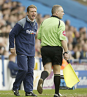 Photo: Aidan Ellis.<br /> Sheffield Wednesday v Norwich City. Coca Cola Championship. 06/05/2007.<br /> Peter grant has a go at the linesman