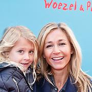 NLD/Amsterdam/20160117 - Premiere Woezel & Pip Op zoek naar de Sloddervos !, Wendy van Dijk en dochter Lizzy