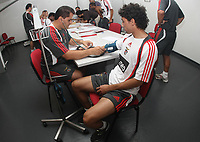 20090629: LISBON, PORTUGAL - SL Benfica first day of the season - Medical Tests at Lusiadas Hospital. In picture. Urreta. PHOTO: CIYTFILES