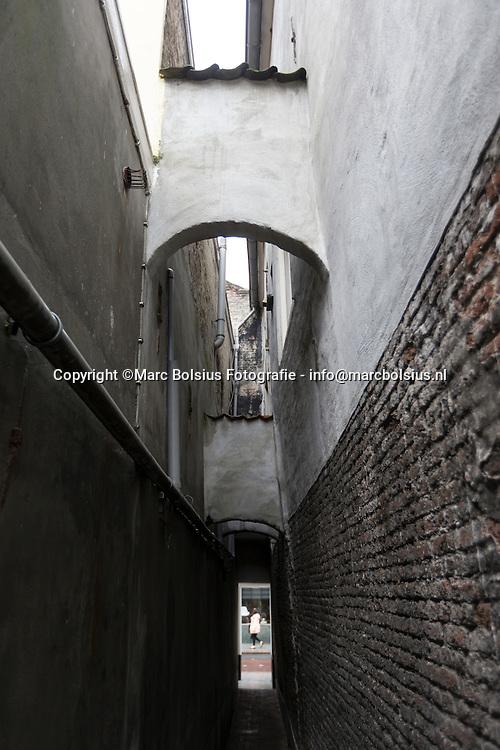 Nederland,  Den Bosch, &Katern,Rubriek Huis Gekocht, het echtpaar Joep en Henriette wonen in een voormalige timmerfabriek aan de Vughterstraat 145 f