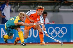 27-08-2004 GRE: Olympic Games day 15, Athens<br /> Hockey finale mannen Nederland - Australie 1-2 / Matthijs Brouwer #19