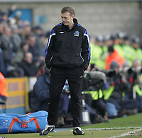 Photo: Lee Earle.<br /> Millwall v Everton. The FA Cup. 07/01/2006. Everton manager David Moyes.