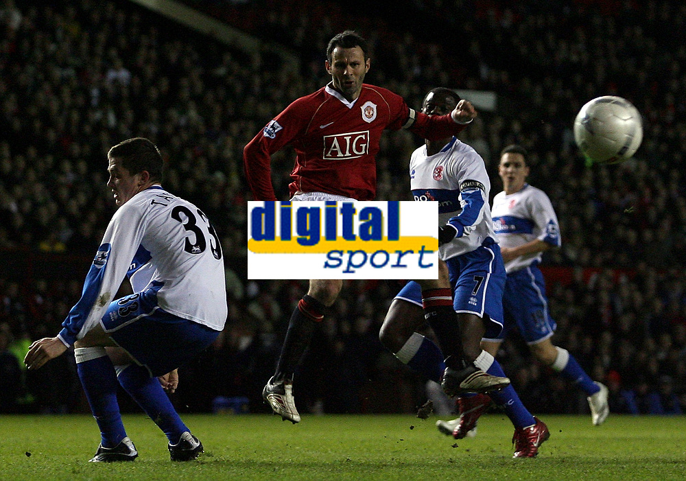 Photo: Paul Thomas.<br /> Manchester United v Middlesbrough. The FA Cup, Quarter Final replay. 19/03/2007.<br /> <br /> Ryan Giggs (Red) of Utd shoots wide.