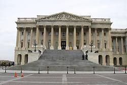 THEMENBILD - Das Kapitol ist der Sitz des Kongresses, der Legislative (Gesetzgebung) der Vereinigten Staaten von Amerika, in Washington, D.C. In ihm finden Sitzungen des Senats (Senate) und des Repräsentantenhauses (House of Representatives) statt. Neben den Parlamentskammern beherbergt das klassizistische Bauwerk zahlreiche Kunstwerke zur Geschichte der USA. Es ist mit drei bis fünf Millionen Besuchern im Jahr eines der populärsten Tourismusziele des Landes. Reisebericht, aufgenommen am 12. Jannuar 2016 in Washington D.C. // The United States Capitol, often called Capitol Hill, is the seat of the United States Congress, the legislative branch of the U.S. federal government. It sits atop Capitol Hill, at the eastern end of the National Mall in Washington, D.C. Though not at the geographic center of the Federal District, the Capitol forms the origin point for the District's street-numbering system and the District's four quadrants. recording found extensive renovation work on the great dome instead. Travelogue, Recorded January 12, 2016 in Washington DC. EXPA Pictures © 2016, PhotoCredit: EXPA/ Eibner-Pressefoto/ Hundt<br /> <br /> *****ATTENTION - OUT of GER*****