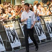 NLD/Amsterdam/20150701- Film premiere Magic Mike XXL, door de hoge temperatuur delen ze flesjes water uit
