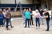 Setbezoek Britt Dekkers paardenfilm Whitestar bij de Royal Dutch Sport Horse in ERmelo.<br /> <br /> op de foto:  o.a. Britt Dekker, Kees Boot en Tina de Bruin op de set