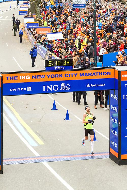 ING New York CIty Marathon: Jeffrey Eggleston, USA,  crosses finish line