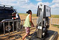 Mongolie. Provinvce du Khentii. Pompe a essence dans une village. // Mongolia. Khentii province. Petrol pomp in a village.