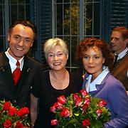 Premiere Sound of Music, Hugo Haenen, staatssecreatris Maria van den Hoeven en Maaike Widdershoven