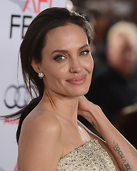 ANGELINA JOLIE bei der By The Sea Opening Night Gala Premiere während des AFI FEST 2015 in Hollywood / 051115 *** AFI FEST 2015: By The Sea Opening Night Gala Premiere in Hollywood on november 5, 2015***