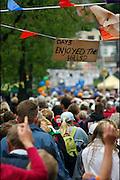 Nederland, Nijmegen, 21-7-2005..Vierdaagse, 4daagse. Laatste meters naar eindpunt op de derde,  Groesbeek dag. Wandelen, wandelsport, recreatie, conditie, bewegen, beweging, lopen. Wandelaars. ..Foto: Flip Franssen/Hollandse Hoogte