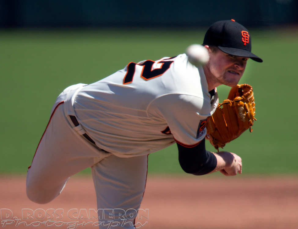 San Francisco Giants starting pitcher Logan Webb (62) delivers a pitch against the Los Angeles Dodgers during the second inning of a baseball game on Thursday, Aug. 27, 2020 in San Francisco, Calif. (D. Ross Cameron/SF Chronicle)