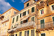 Italian Style aprtments of Corfu City, Greek Ionian Islands .<br /> <br /> If you prefer to buy from our ALAMY PHOTO LIBRARY  Collection visit : https://www.alamy.com/portfolio/paul-williams-funkystock/corfugreece.html <br /> <br /> Visit our GREECE PHOTO COLLECTIONS for more photos to download or buy as wall art prints https://funkystock.photoshelter.com/gallery-collection/Pictures-Images-of-Greece-Photos-of-Greek-Historic-Landmark-Sites/C0000w6e8OkknEb8