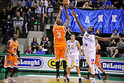 DESCRIZIONE : Treviso Lega due 2015-16  Universo Treviso De Longhi - Aurora Basket Jesi<br /> GIOCATORE : marshawn powell<br /> CATEGORIA : Ritardo<br /> SQUADRA : Universo Treviso De Longhi - Aurora Basket Jesi<br /> EVENTO : Campionato Lega A 2015-2016 <br /> GARA : Universo Treviso De Longhi - Aurora Basket Jesi<br /> DATA : 31/10/2015<br /> SPORT : Pallacanestro <br /> AUTORE : Agenzia Ciamillo-Castoria/M.Gregolin<br /> Galleria : Lega Basket A 2015-2016  <br /> Fotonotizia :  Treviso Lega due 2015-16  Universo Treviso De Longhi - Aurora Basket Jesi