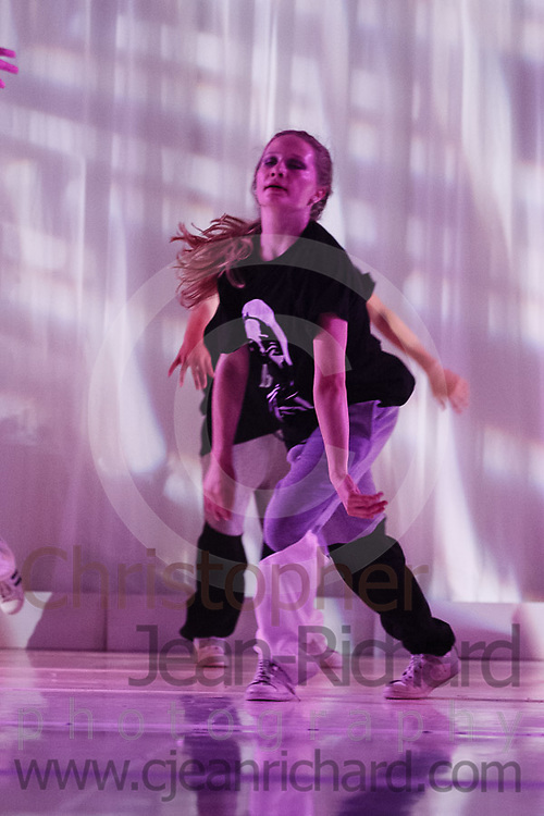 ART: 2017<br /> Powerful by Nature<br /> Choreographie: Jemelle Suyat Navat<br /> HH show Fr/Sa<br /> Students and Instructors of Atelier Rainbow Tanzkunst (http://www.art-kunst.ch/) rehearse on the stage of the Schinzenhof for a series of performances in June, 2017.<br /> <br /> Schinzenhof, Alte Landstrasse 24 8810 Horgen Switzerland