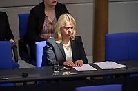 24 MAR 2017, BERLIN/GERMANY:<br /> Verena Bentele, Beauftragte der Bundesregierung<br /> fuer die Belange von Menschen mit Behinderungen, liest in ihren Unterlagen in Blindenschrift, auf der Regierungsbank, waehrend der Bundestagesdebatte zum Teilhabebericht der Bundesregierung 2016, Plenum, Deutscher Bundestag<br /> IMAGE: 20170324-01-030