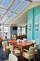 AMELAND - Interieur clubhuis Amelandse Golfbaan 'De Amelander Duinen' . COPYRIGHT KOEN SUYK