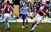 Photo: Alan Crowhurst.<br />Reading v Aston Villa. The Barclays Premiership. 10/02/2007. Reading's Glen Little on the attack.