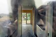 Nederland, Malden, 26-10-2018In een wijkje aan de rand van het dorp zijn 18 kleine huisjes, Tiny Houses, neergezet om starters en jongeren sneller een eigen woonruimte te geven . De woningen worden gemaakt door bouwbedrijf Heijmans One. Ze zijn voorzien van zonnepanelen.Foto: Flip Franssen