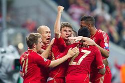 23-04-2013 VOETBAL: UEFA CL SEMI FINAL FC BAYERN MUNCHEN - FC BARCELONA: MUNCHEN<br /> Jubel nach dem Tor zum 4-0 durch Thomas Mueller (FCB #25)  mit Philipp Lahm (FCB #21) Arjen Robben (FCB #10) David Alaba (FCB #27) Jerome Boateng (FCB #17<br /> ***NETHERLANDS ONLY***<br /> ©2013-FotoHoogendoorn.nl