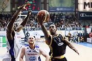 DESCRIZIONE : Cantu Lega A 2013-14 Acqua Vitasnella Cantu Sutor Montegranaro<br /> GIOCATORE : Josh Mayo<br /> CATEGORIA : Tiro Penetrazione Sequenza<br /> SQUADRA : Sutor Montegranaro<br /> EVENTO : Campionato Lega A 2013-2014<br /> GARA : Acqua Vitasnella Cantu Sutor Montegranaro<br /> DATA : 29/12/2013<br /> SPORT : Pallacanestro <br /> AUTORE : Agenzia Ciamillo-Castoria/G.Cottini<br /> Galleria : Lega Basket A 2013-2014  <br /> Fotonotizia : Cantu Lega A 2013-14 Acqua Vitasnella Cantu Sutor Montegranaro<br /> Predefinita :