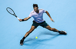 2017?11?14?.    ?????2???——ATP???????????????·????.       11?14??????????.       ???????????ATP???????????????????????????2?1??????????·?????.       ???????????????.(SP) BRITAIN-LONDON-TENNIS-ATP FINALS-FEDERER VS ZVEREV.(171114) -- LONDON, Nov. 14, 2017  Roger Federer of Switzerland competes during the singles round-robin match against Alexander Zverev of Germany during the Nitto ATP World Tour Finals at O2 Arena in London, Britain on Nov. 14, 2017. Roger Federer Won 2-1. (Credit Image: © Tang Shi/Xinhua via ZUMA Wire)