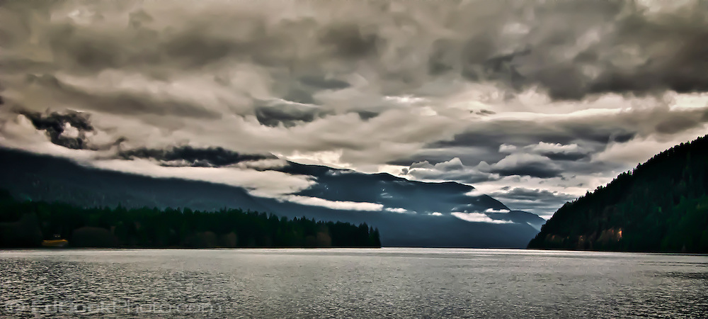 Changing weather approaches Lake Crescent in Olympic National Park, Washington state, USA panorama