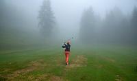 SEEFELD Tirol   Oostenrijk,  - golf in de mist, fog, wolken, wolk, Golfclub Seefeld Wildmoos.    COPYRIGHT KOEN SUYK