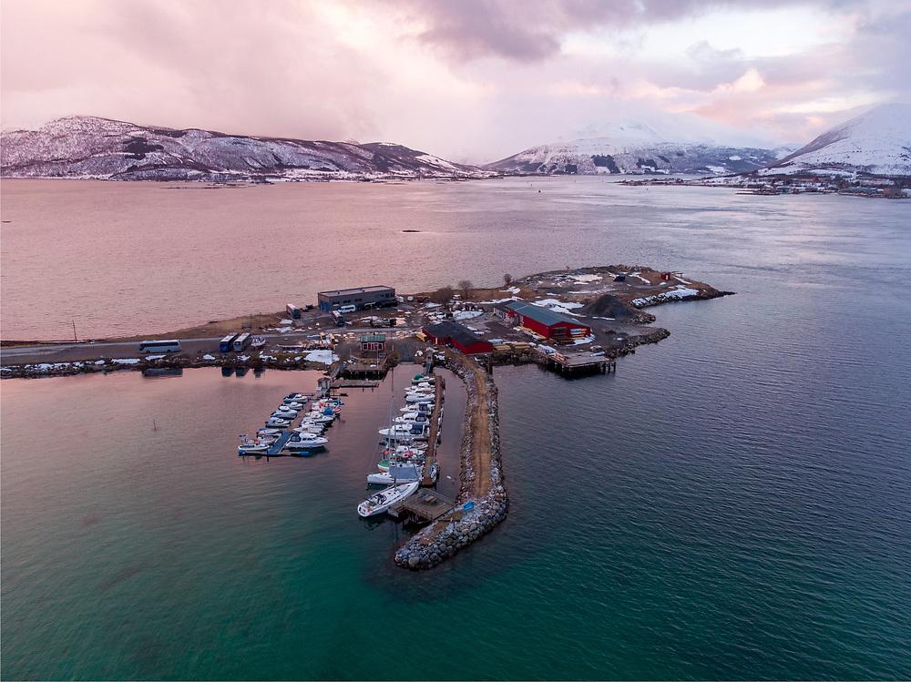 Skånland båtlags båthavn på Evenskjer.
