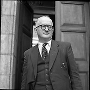 Mr Louis O'Connell at High Court .12/05/1958 Sean MacBride Minister for Foreign Affairs from 19-2-1948 to 13-6-1951
