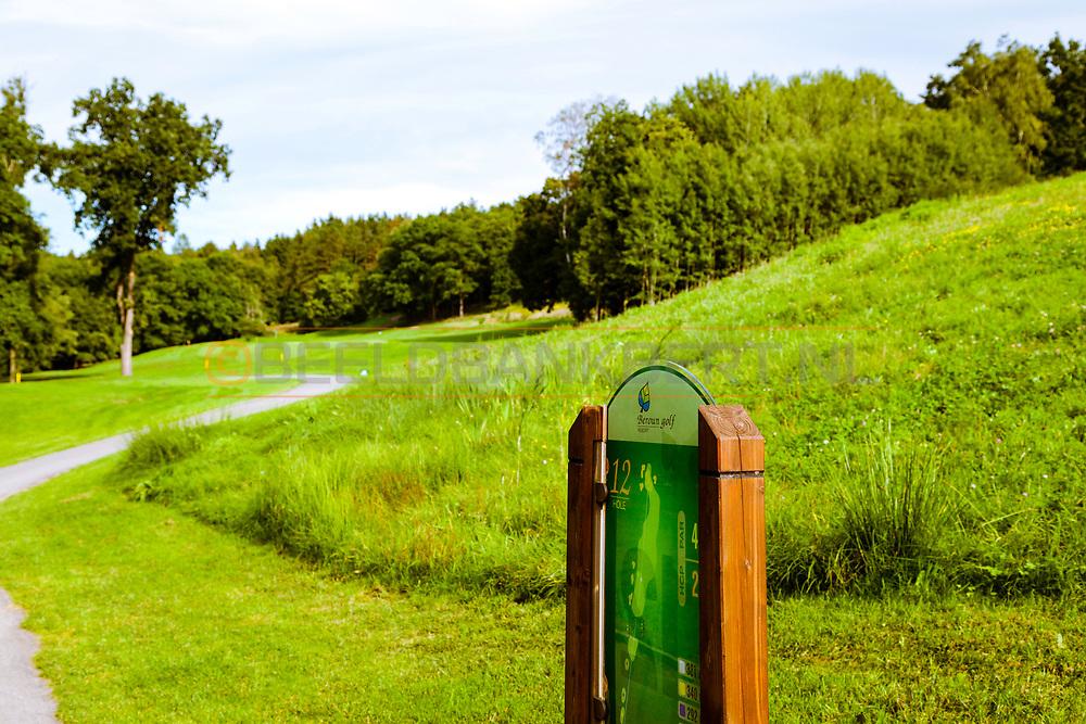 17-09-2015: Beroun Golf Resort in Beroun, Tsjechië.<br /> Foto: De pittige par-4 twaalfde