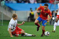 FOOTBALL - FIFA WORLD CUP 2010 - GROUP STAGE - GROUP H - SPAIN v SWITZERLAND - 16/06/2010 - PHOTO GUY JEFFROY / DPPI - XAVI (SPA) / STEPHANE GRICHTING (SWI)